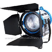 ARRI Junior 650W Plus (L3.79400.B) Tungsten Fresnel Spotlight c/w Barn Doors and Diffuser Frame