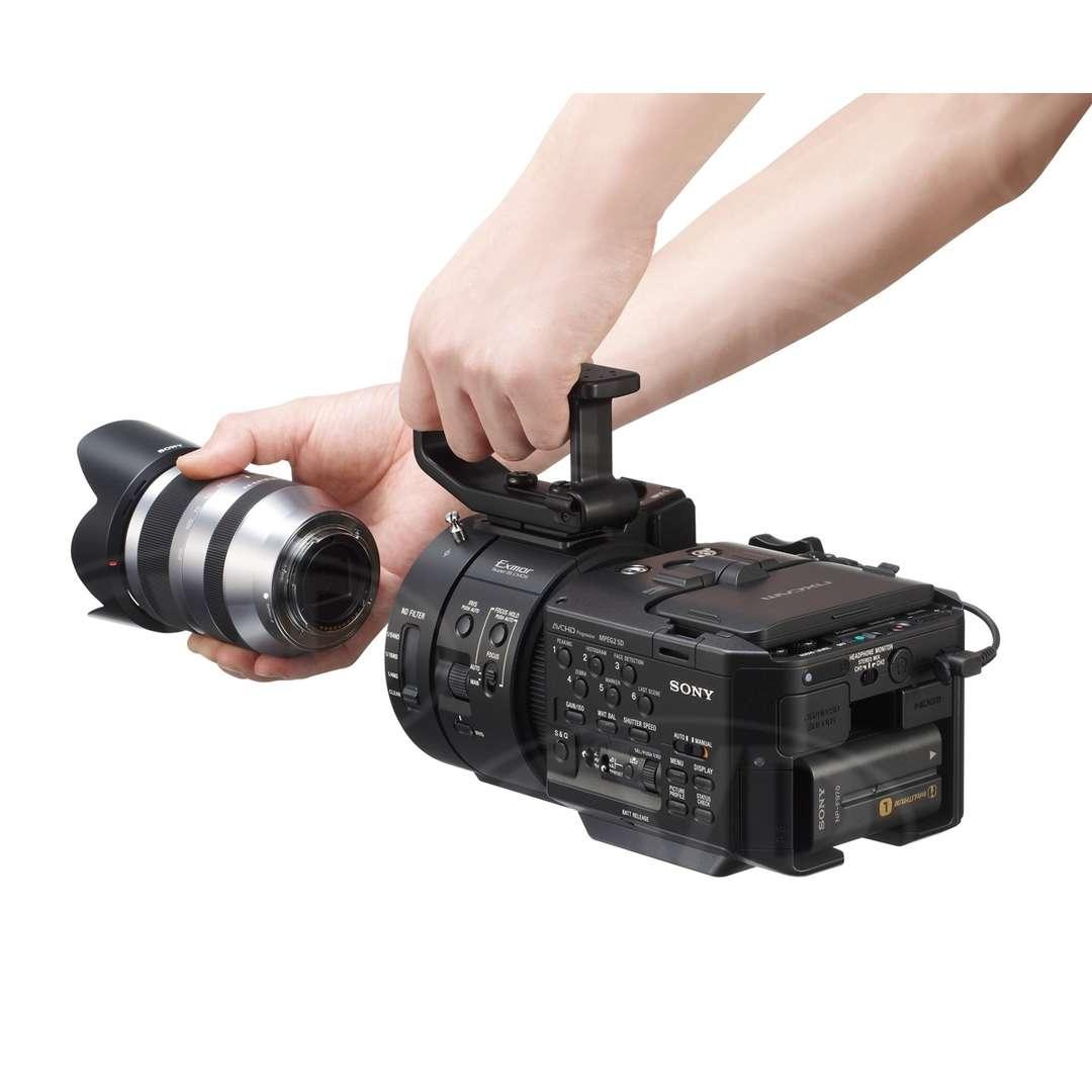 Sony NEX-FS700EK (NEXFS700EK) 4K Ready Super 35mm Camcorder with Lens
