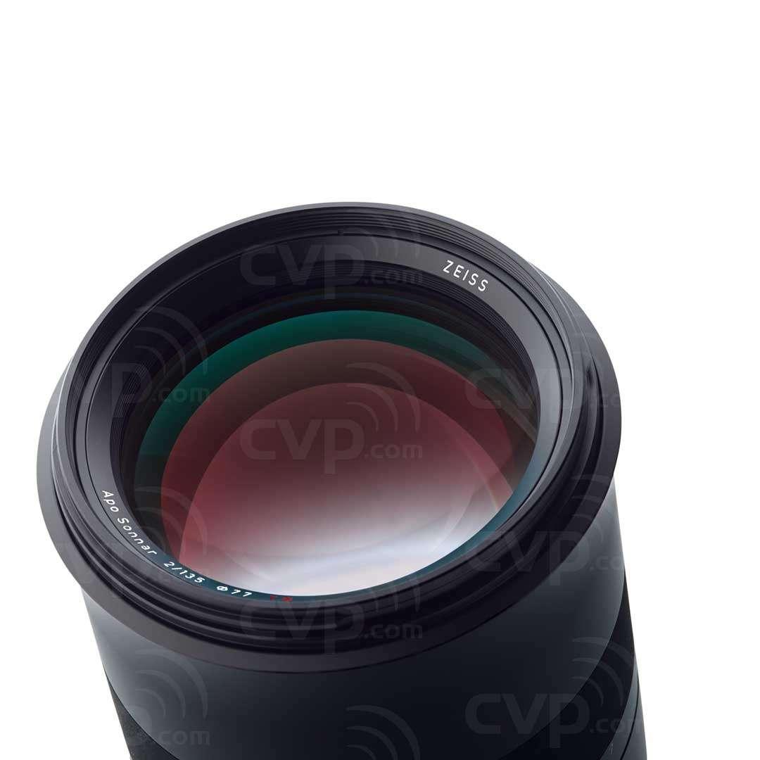 Milvus 135mm f2.0- Canon EF