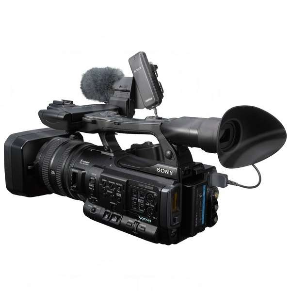 Sony PMW-150 (PMW150) 3 x 1/3inch CMOS HD Camcorder with 50Mb/s internal recording